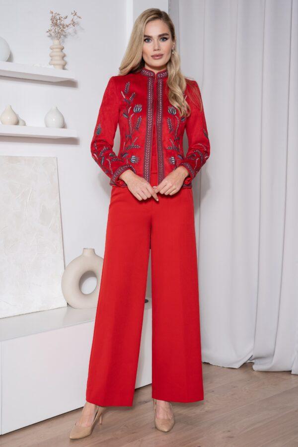 Костюм брючный женский с вышивкой красный купить URS 557
