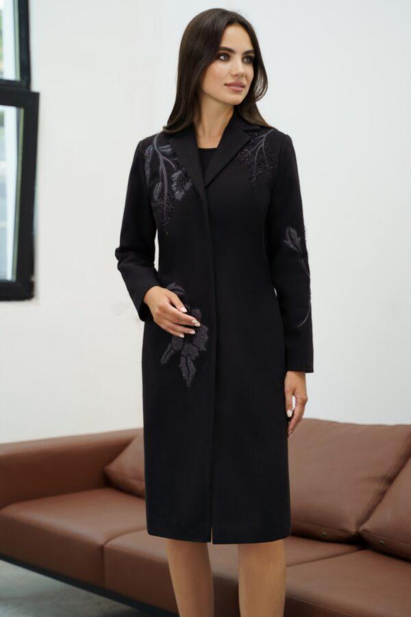 Пальто с вышивкой черное демисезон URS 21-707В купить