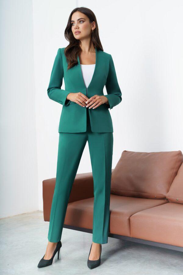 Костюм брючный тройка женский зеленый купить URS 21-701